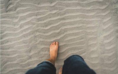 Earthing – A Piedi Nudi: perché è importante connettersi con la terra